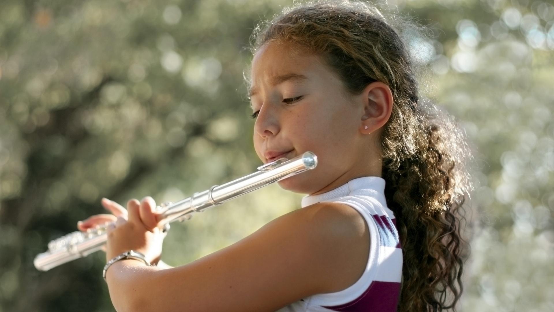 Flute, Saxophone, Clarinet, Bassoon & Oboe Lessons - Surrey
